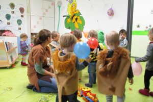 In der Kita Bienenkörbchen aus Karlsruhe findet eine Faschingssause statt